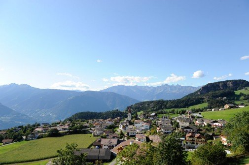 Rilassanti vacanze sull'altopiano soleggiato a Verano/Alto Adige